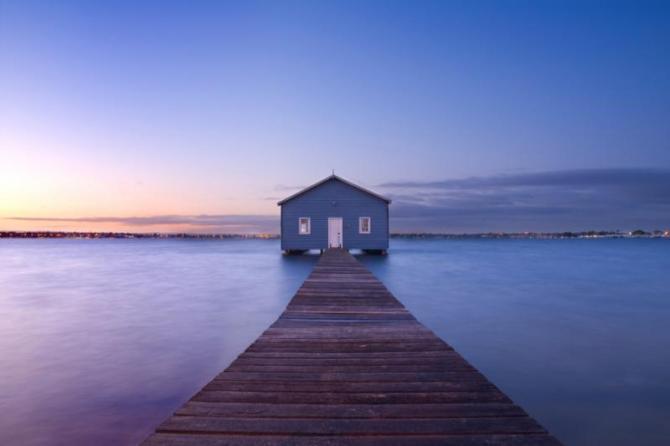 australiaperthtourboathouseatdawn