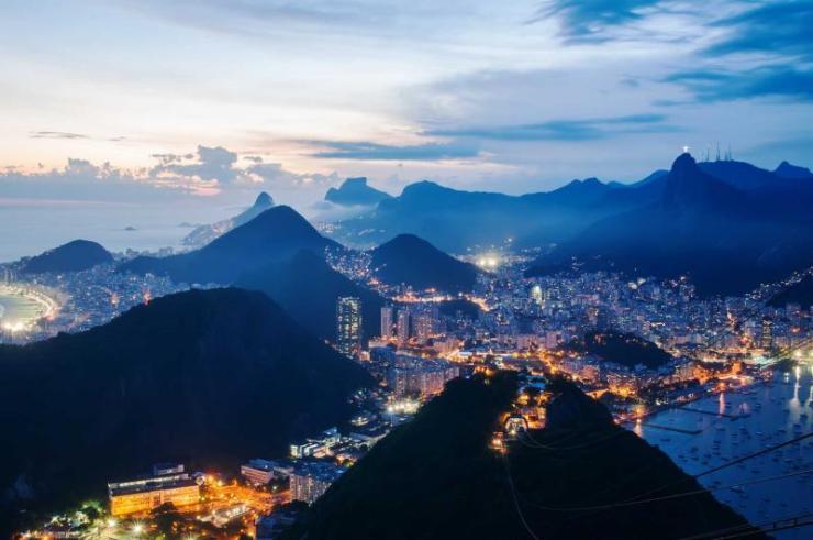 brazil_rio_de_janeiro_night_view_of_botafogo_and_corcovado