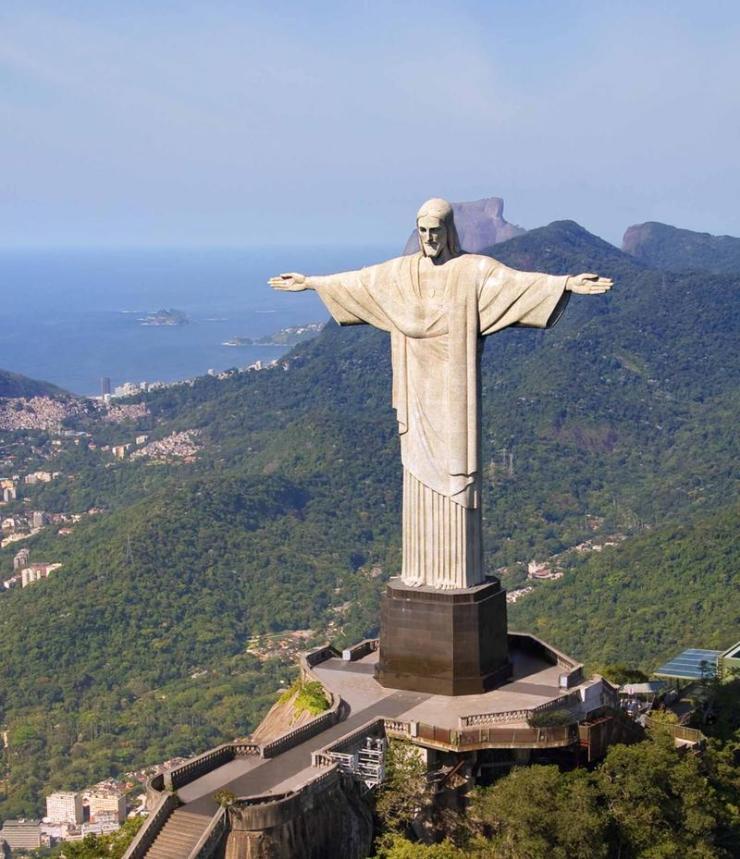 brazil_rio_de_janeiro_tour_aerial_view_of_christ_the_redeemer_monument-1