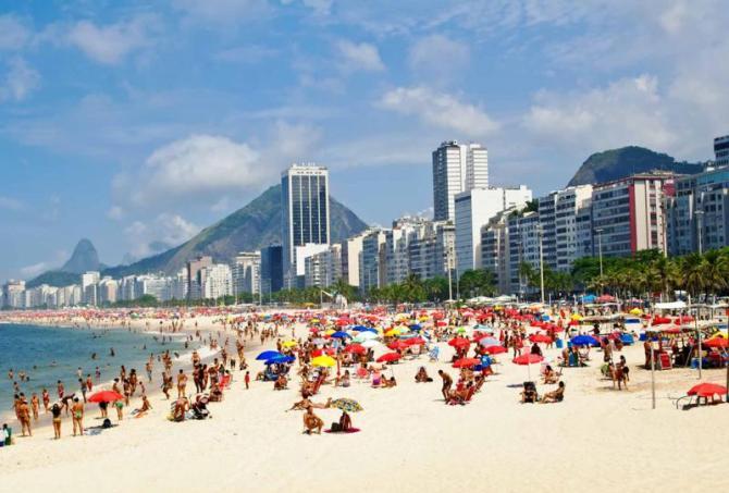 brazil_rio_de_janeiro_tour_beach_leme_and_copacabana