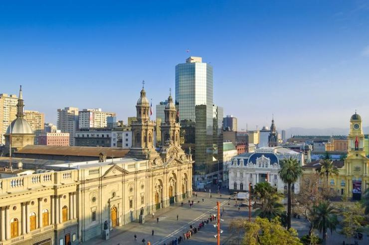 chile-santiago-plaza-de-armas-view-full-m