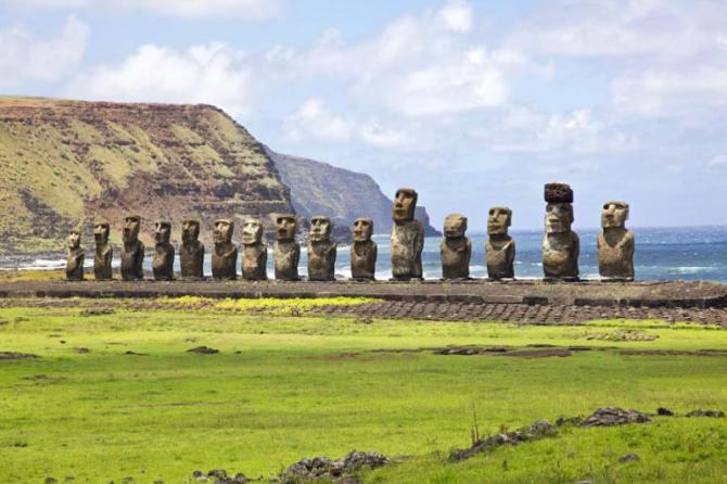 chile_easter_island_landscape_panorama