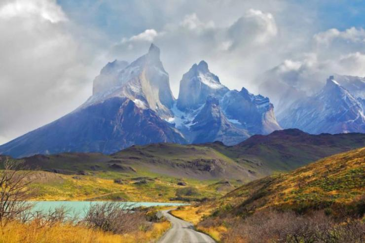 chile_patagonia_summer_day_in_the_national_park_torres_del_paine