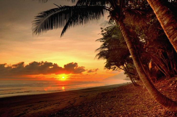 costa_rica_puntarenas_sunset_in_a_virgin_beach_of_corcovado_national_park