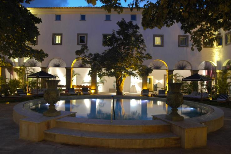 Pool_Night_View