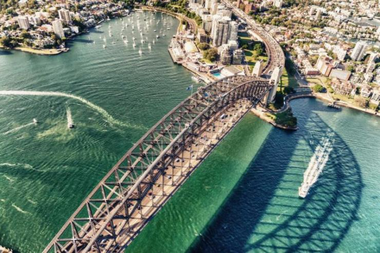 sydney_harbour_bridge._aerial_view_from_helicopter_on_a_beautiful_day