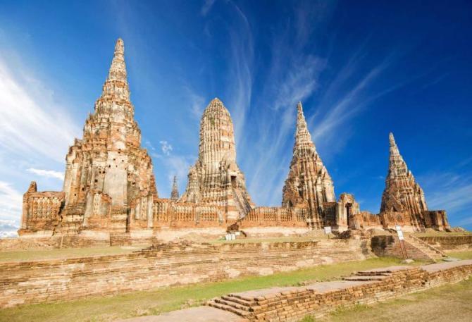 thailand_chaiwatthanaram_temple_in_ayutthaya_copy