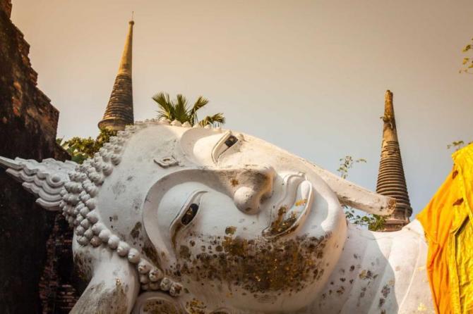 thailand_reclining_buddha_in_ayutthaya_historical_park_0