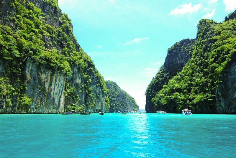 thailand_view_of_maya_bay_phi_phi_island_ocean