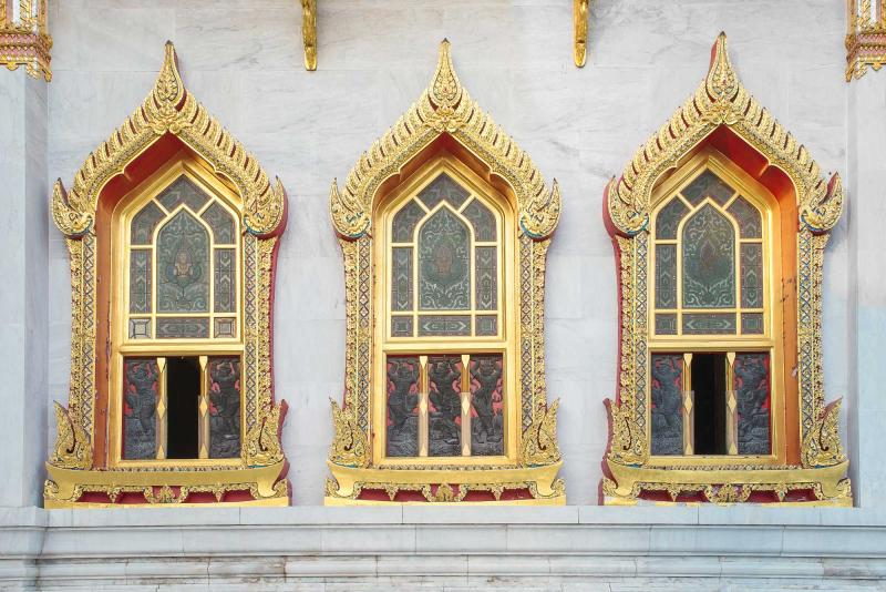 thailand_window_of_wat_benchamabophit_in_bangkok