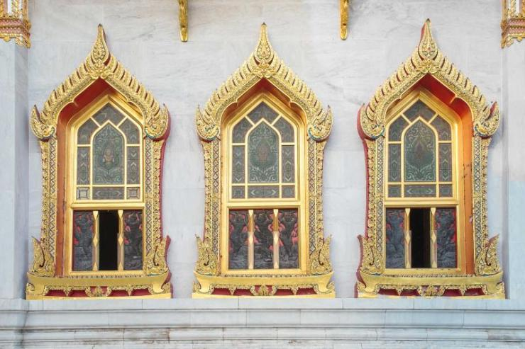 thailand_window_of_wat_benchamabophit_in_bangkok